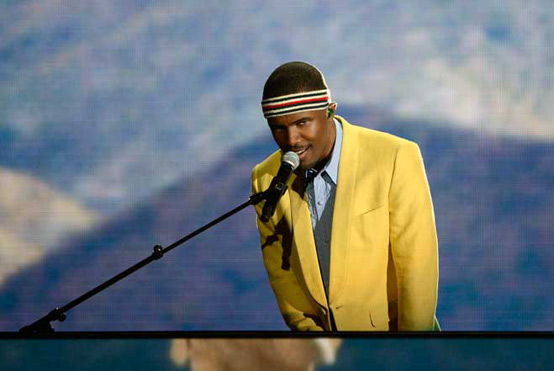 Frank Ocean performs at the 2013 Grammy Awards
